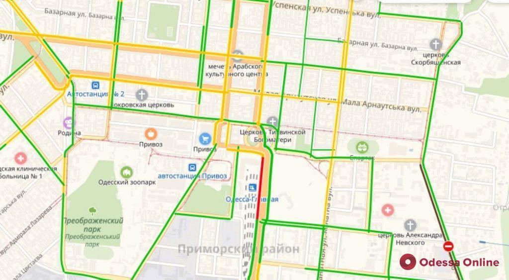 Дорожная обстановка в Одессе: большая пробка у Пересыпского моста
