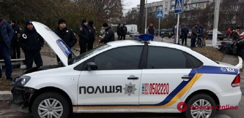 В Измаиле Mitsubishi протаранил спешащий на вызов автомобиль полиции охраны (фото)