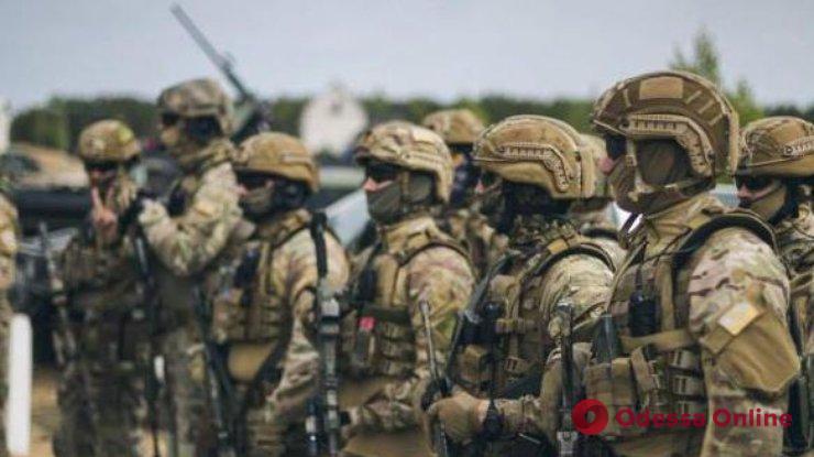 Мнения: как одесситы относятся к введению военного положения?