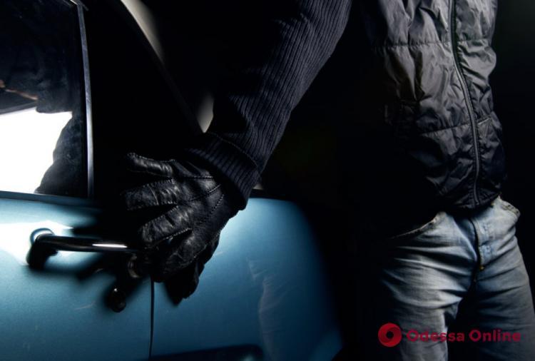 Одесса: семь лет тюрьмы с конфискацией имущества получил автоугонщик