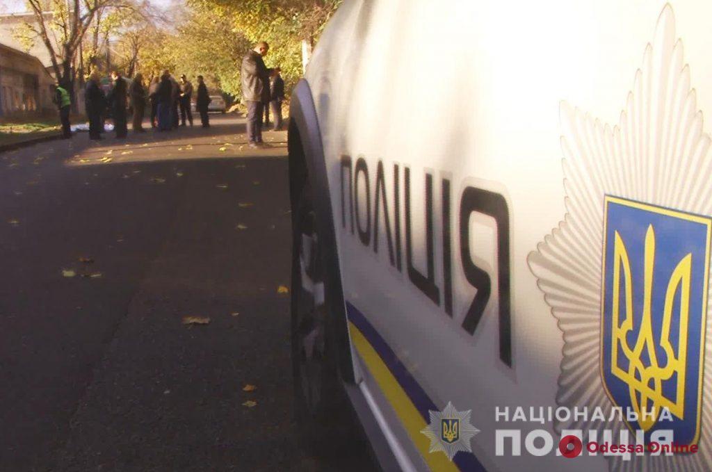 Одесса: застреленный при задержании преступник зарезал на кладбище преподавателя вуза (видео)