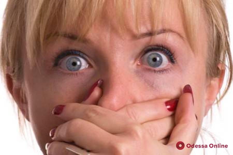 Осторожно, фейк: родителей одесских школьников пугают наркотиками в конфетах