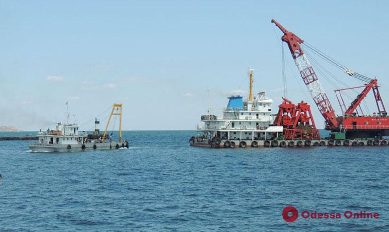 В Черноморском порту завершили реконструкцию подходного канала