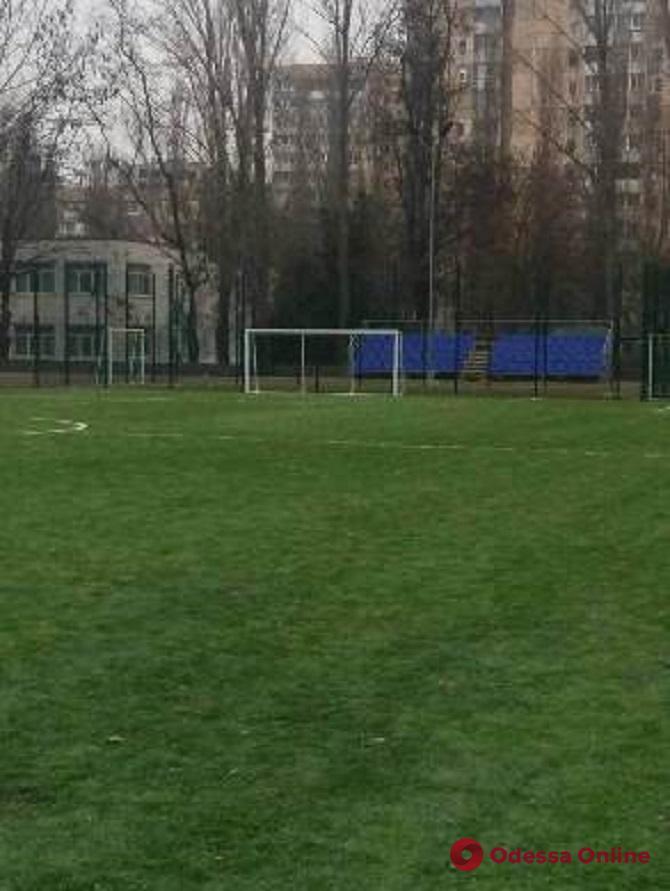 На поселке Котовского капитально отремонтировали еще один школьный стадион