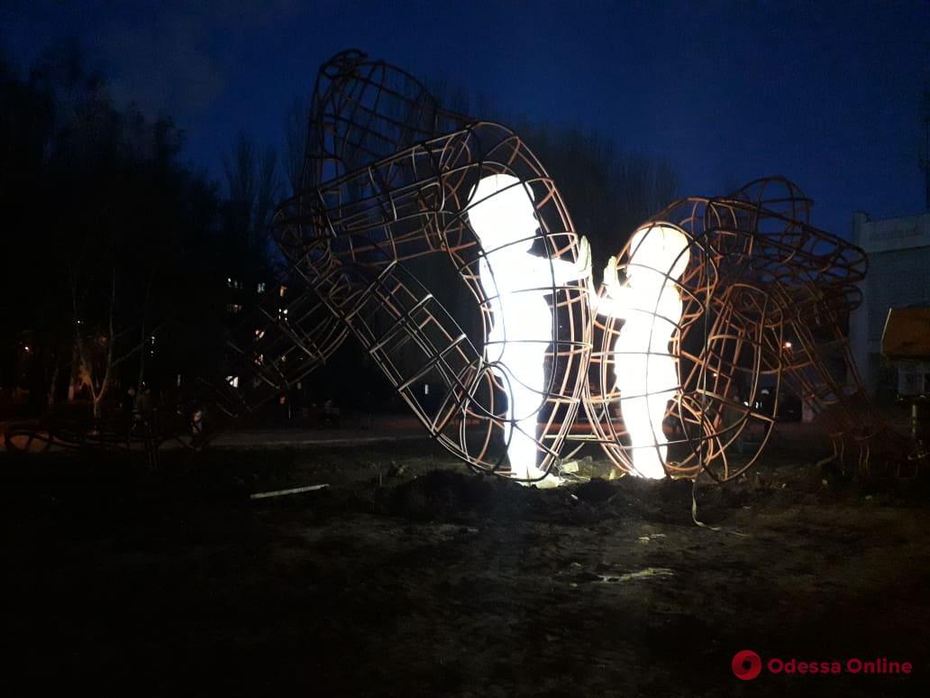 На поселке Котовского засветилась «Любовь»