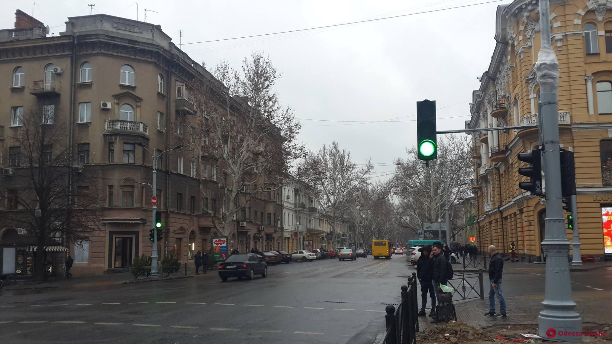 На Ришельевской установили новые светофоры