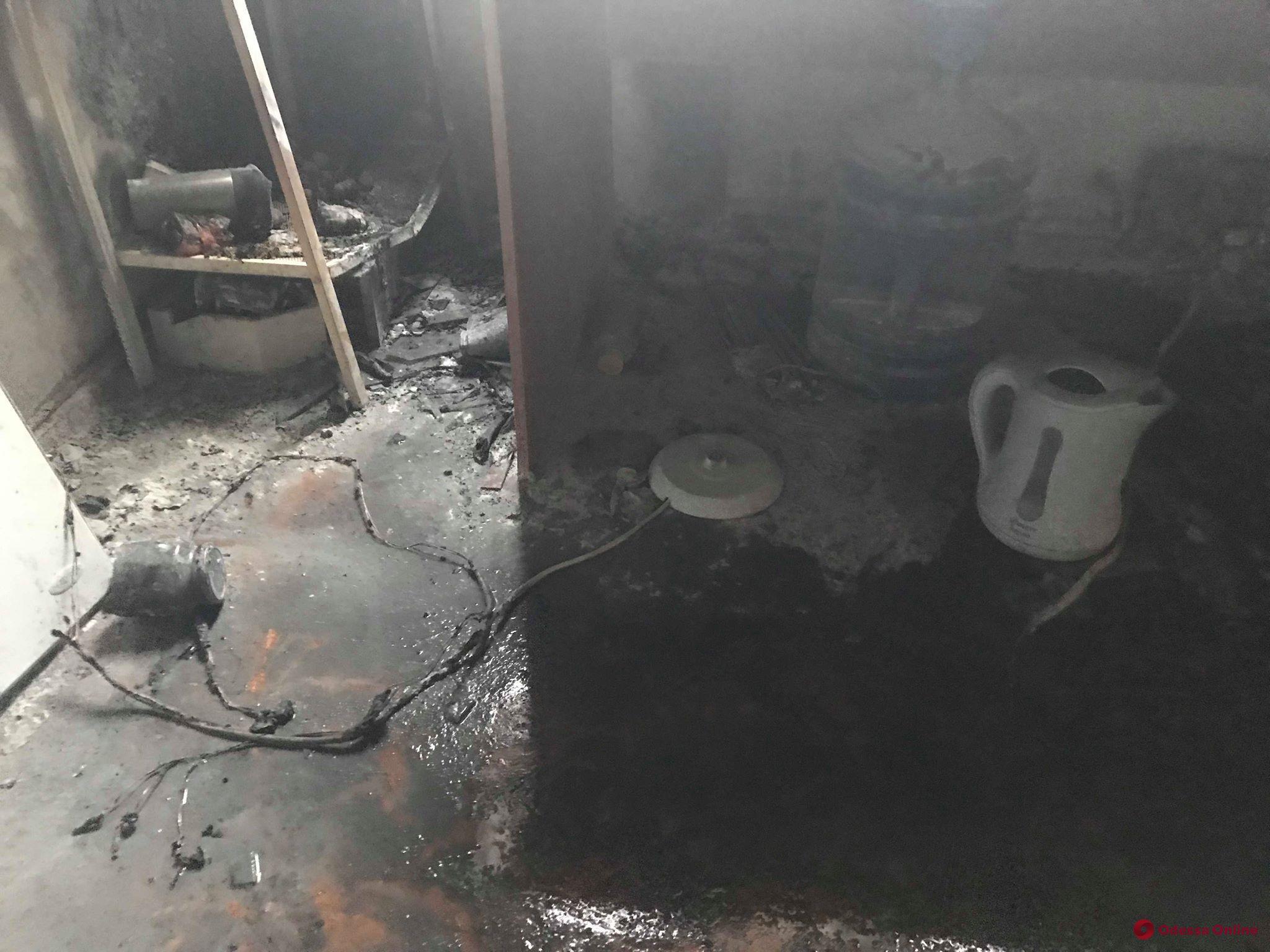 В центре Одессы из-за неисправной гирлянды произошел пожар