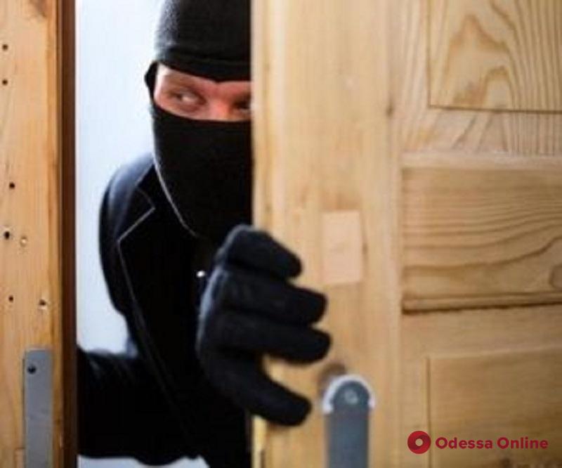 В Одесской области поймали двух разыскиваемых воров-домушников