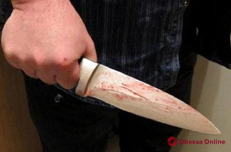 В Одессе иностранец во время ссоры ударил знакомого ножом в спину