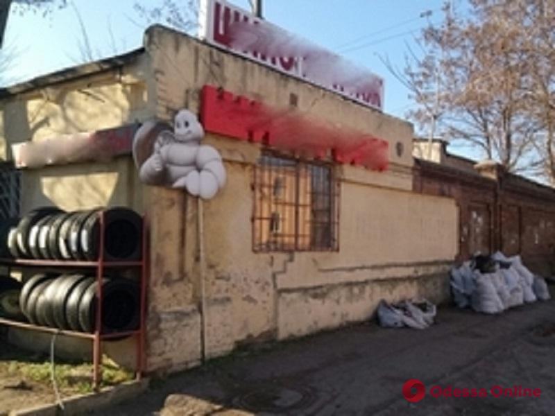 В Одессе за неделю демонтировали 67 рекламных конструкций