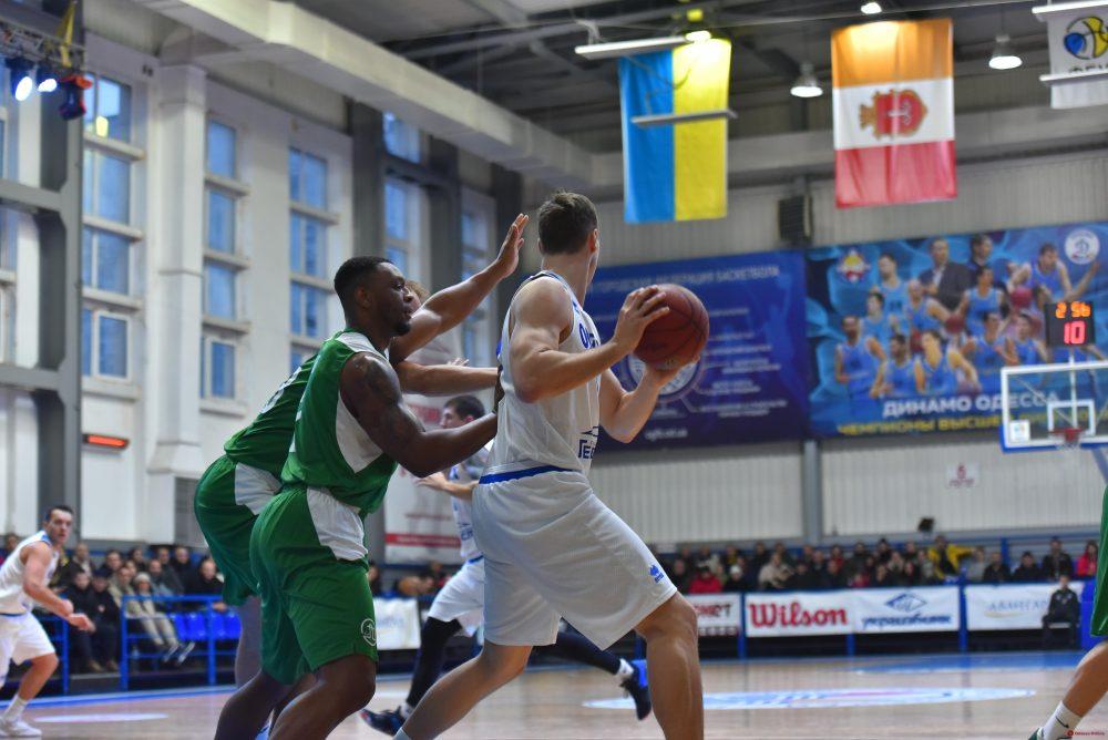 Баскетбол: южненский «Химик» в областном дерби победил «Одессу»