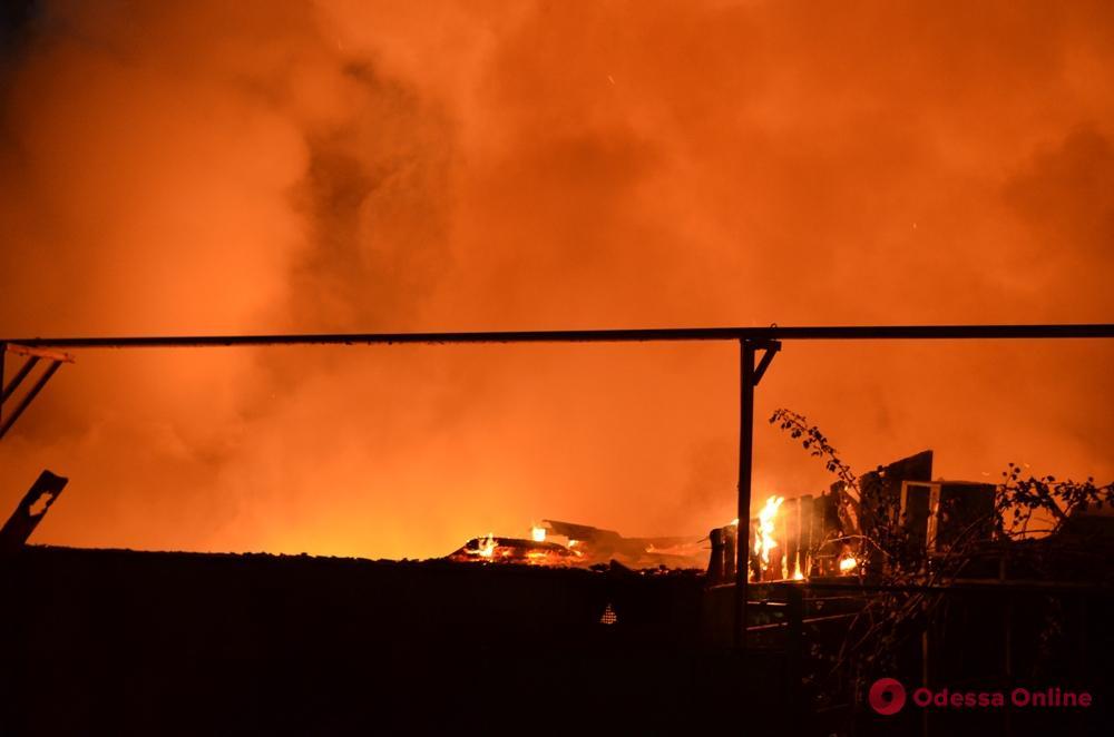 В Одессе горел жилой дом: пострадал ребенок