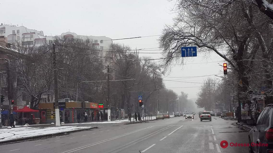 Одесса: на Фонтанской дороге нанесли новую разметку
