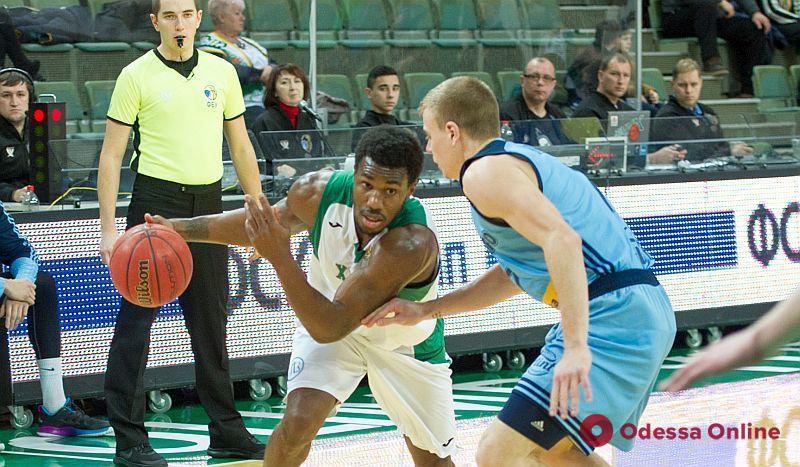 Баскетбол: «Химик» с боями обыграл вице-чемпиона Украины и стал лидером Суперлиги