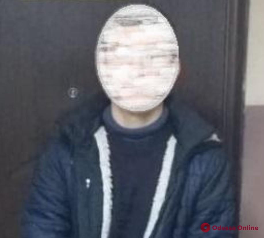 «Заминировал» бар: в Одессе задержали телефонного террориста