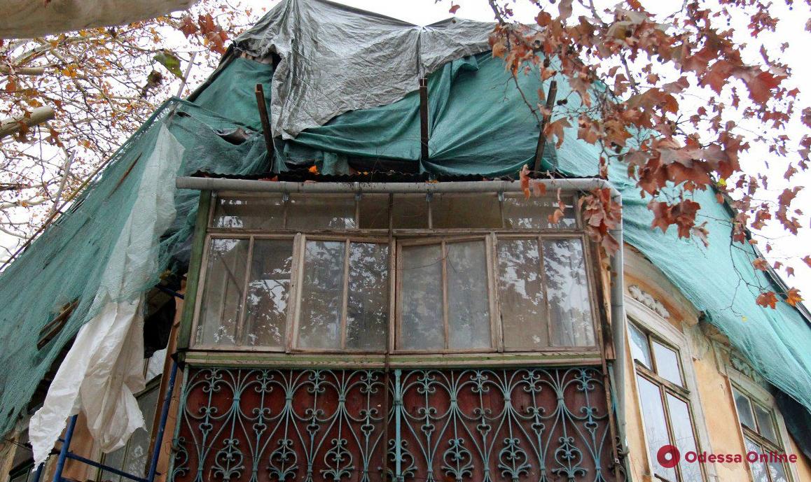 В Одессе демонтировали нахалстрой на Ришельевской