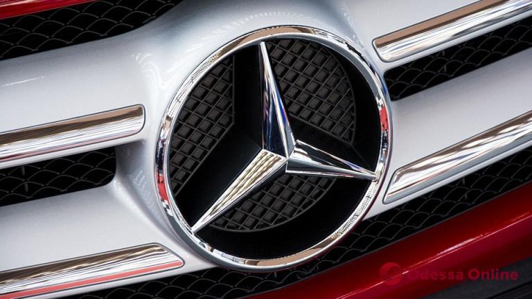 Одесситка пыталась переоформить угнанный Mercedes