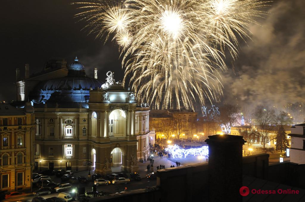Новый год в Одессе: праздничные ярмарки, фестиваль света и концерт Олега Винника