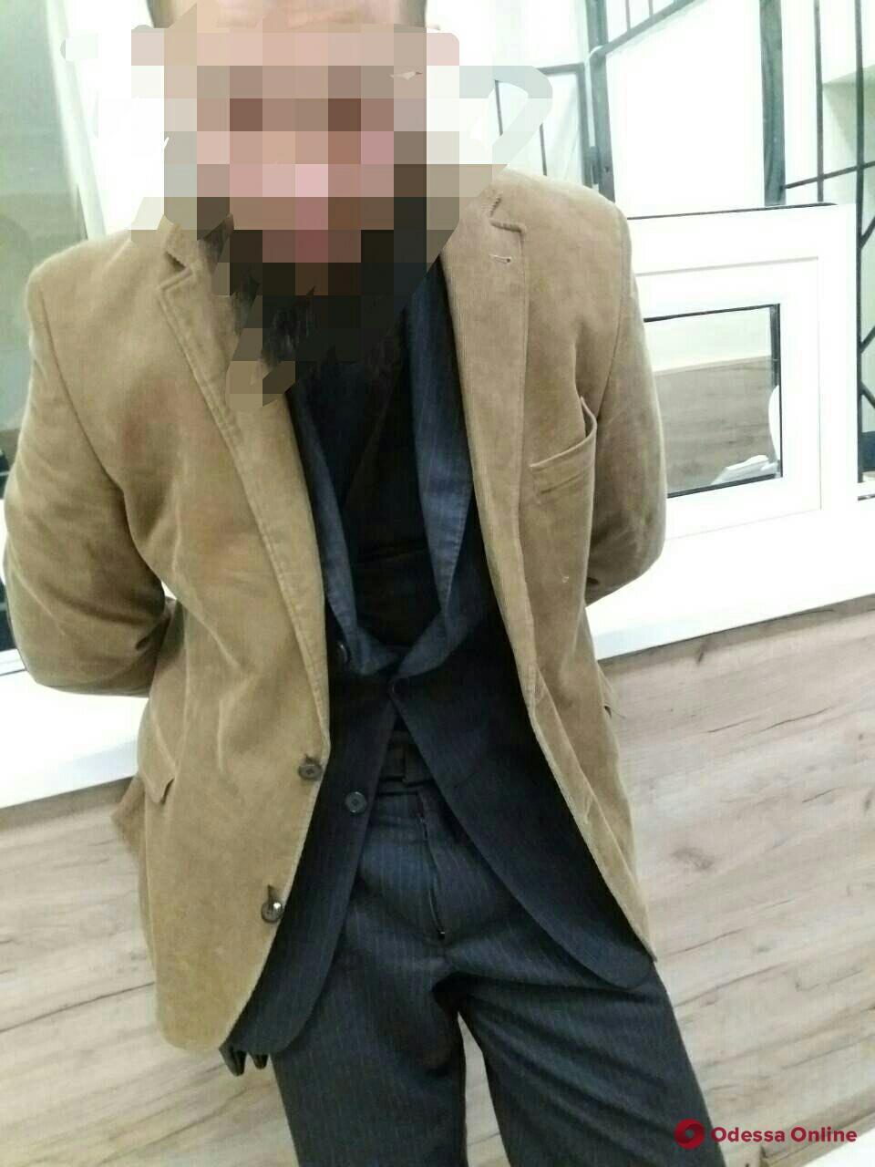 Одесса: по ЦУМу гулял мужчина с пистолетом