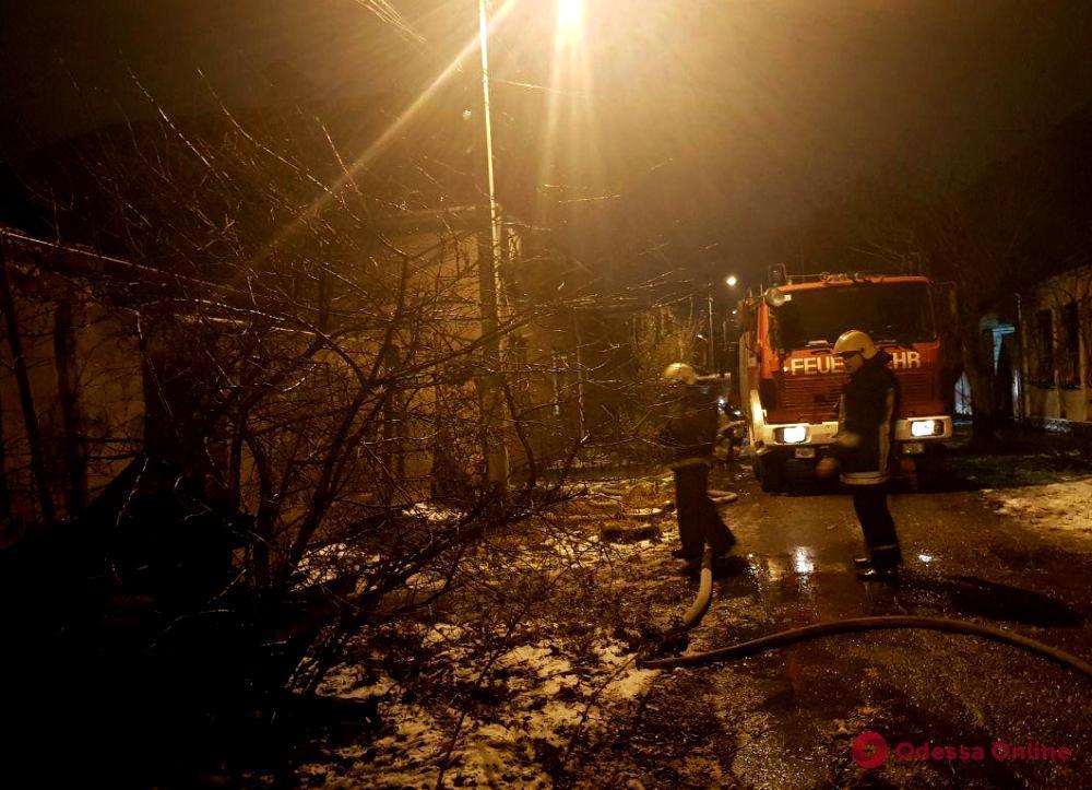 На Слободке горел заброшенный дом: погиб мужчина