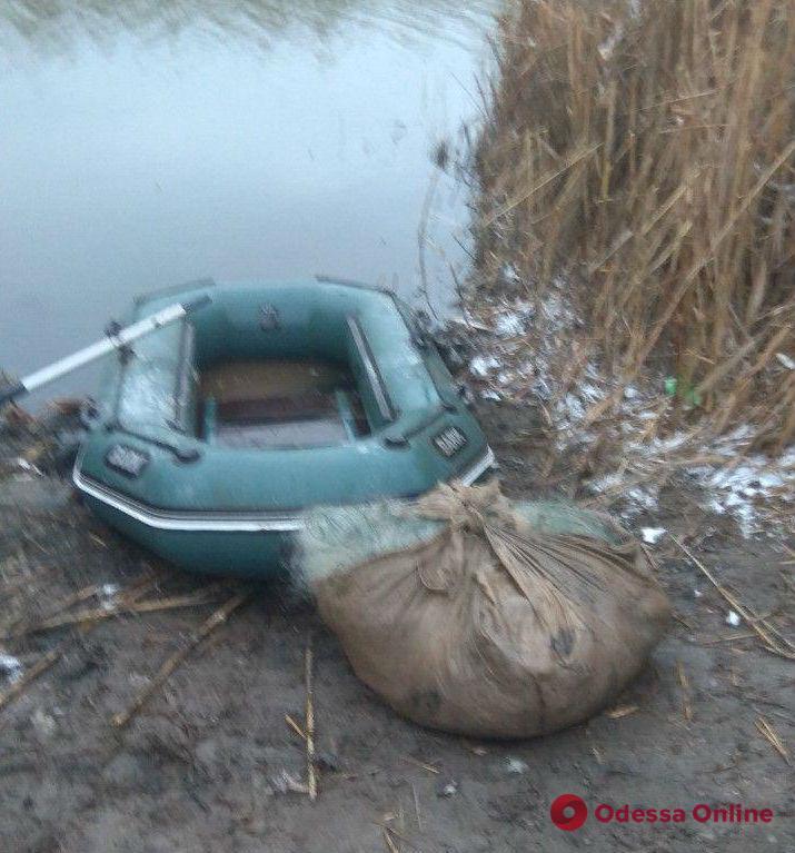На озере в Одесской области задержали браконьера с большим уловом