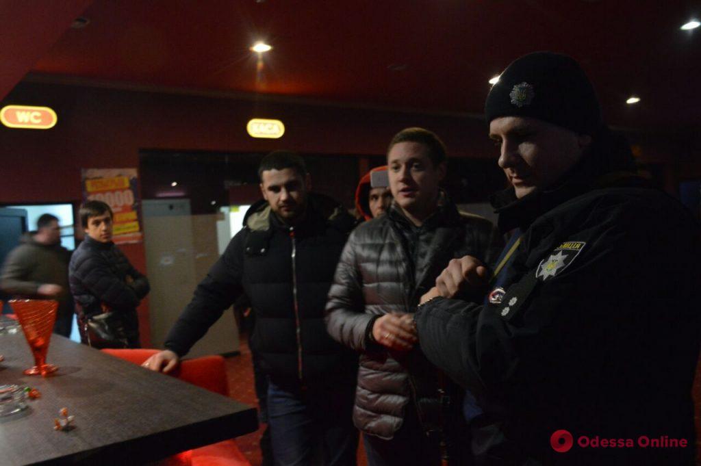 Депутаты и активисты начали рейд по казино в Одессе