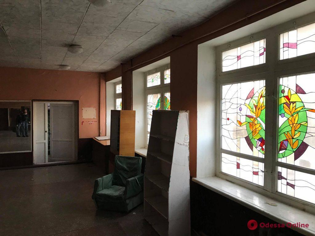 Пять градусов в комнате: переселенцы в Фонтанке остались без света и тепла