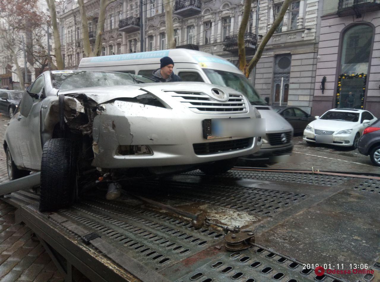 В центре Одессы столкнулись пять автомобилей