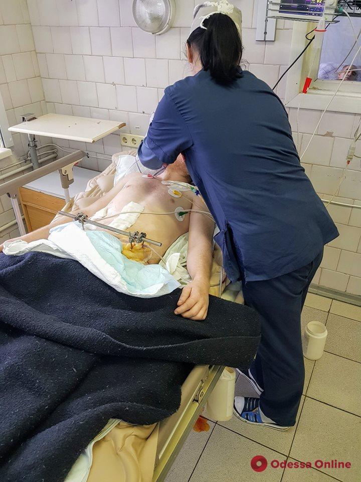 В одесский военный госпиталь привезли «тяжелого» бойца