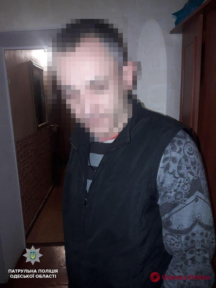 Пьяный одессит открыл стрельбу в своем дворе