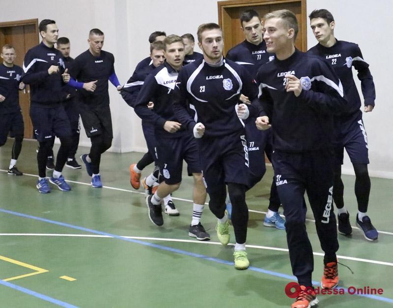 «Черноморец» вышел из отпуска: медосмотр, задача от руководства, тренажерный зал и баскетбол