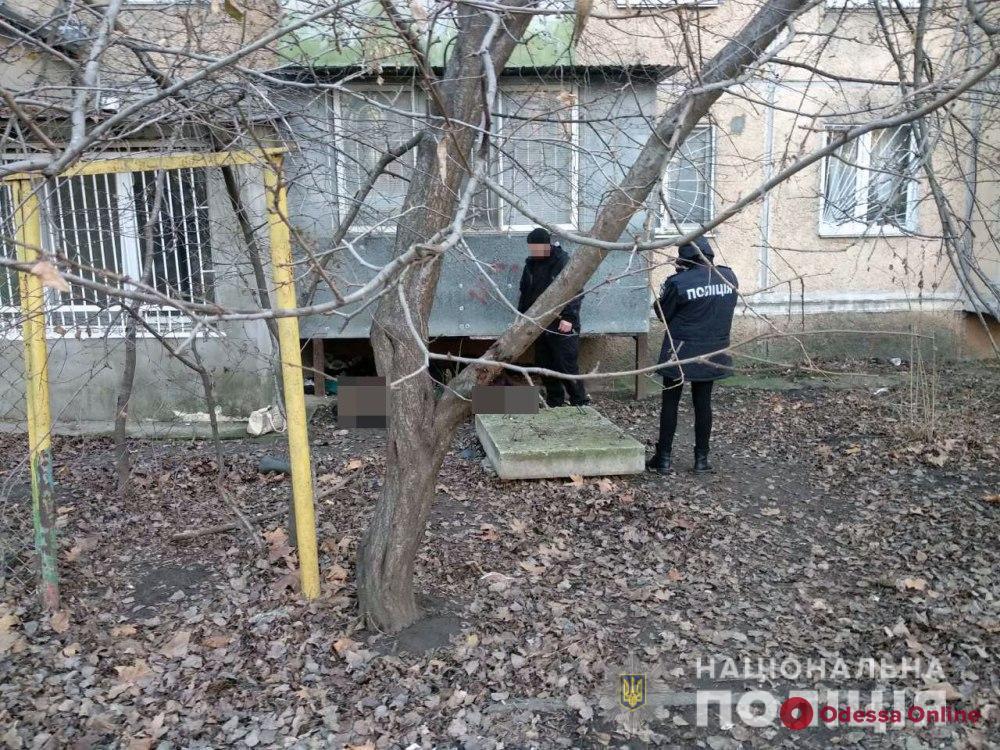 На Таирова нашли труп женщины