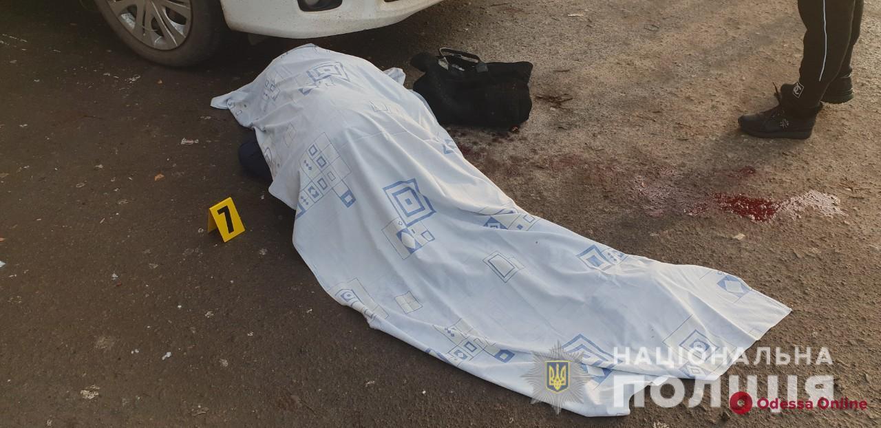 В Николаеве возле здания суда расстреляли одесситов