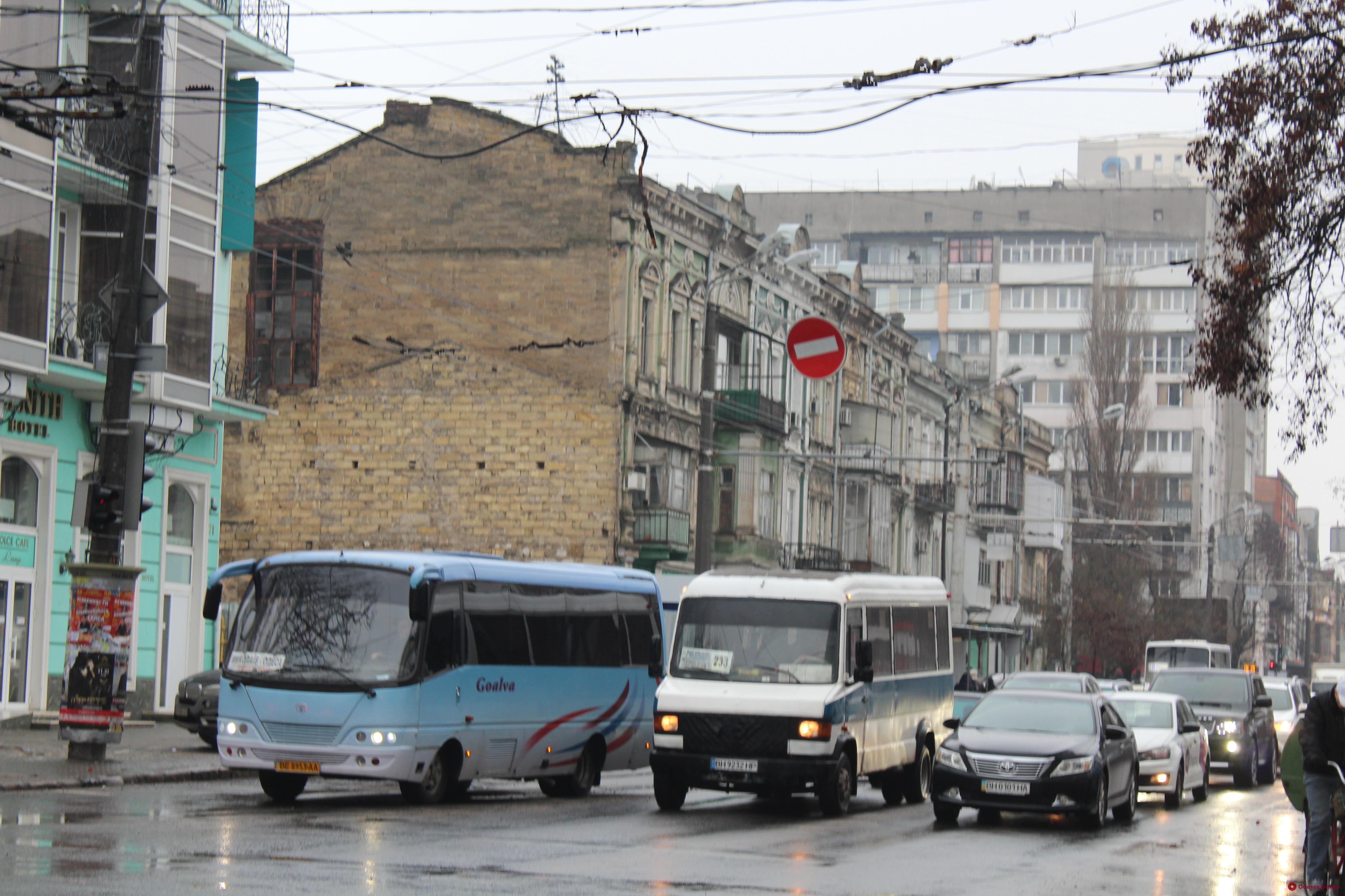 Дорожная обстановка в Одессе: пробки на Балковской