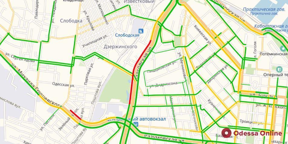 Дорожная обстановка в Одессе: большая пробка на Балковской