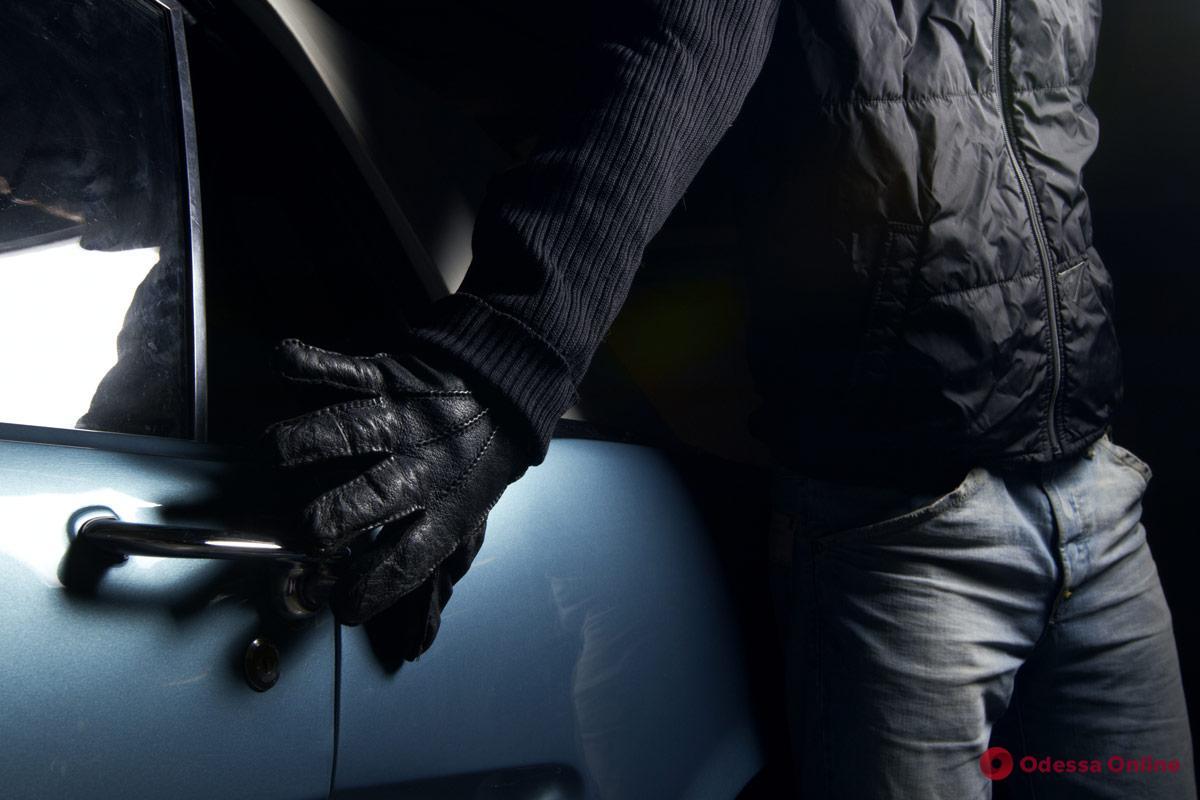 В Одессе любитель покататься на чужом авто отправится за решетку
