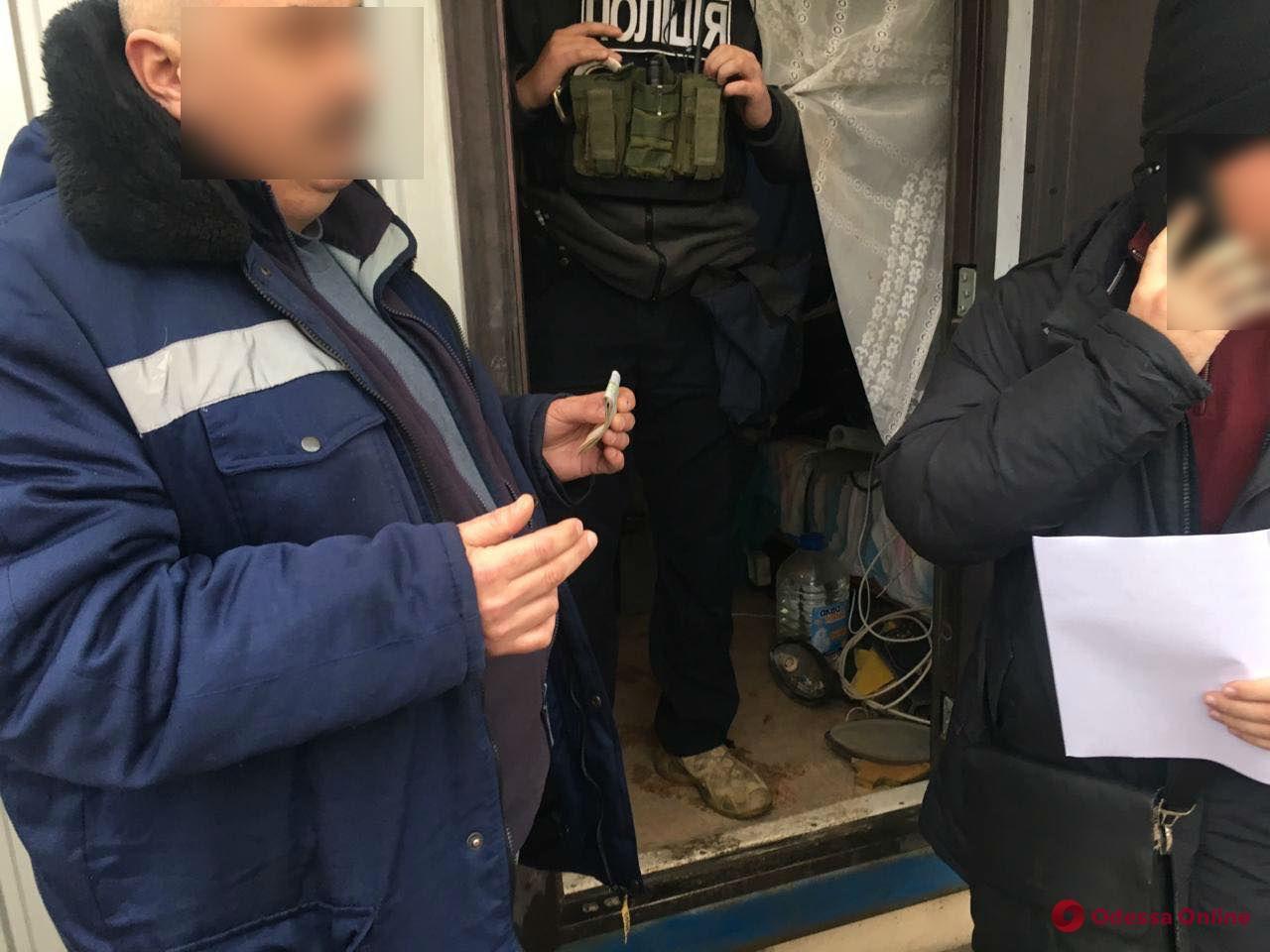 Одесский суд арестовал пойманного на взятке директора мусорного полигона