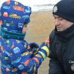 В городе работает детский патруль: полицейские поздравляют юных одесситов с Рождеством