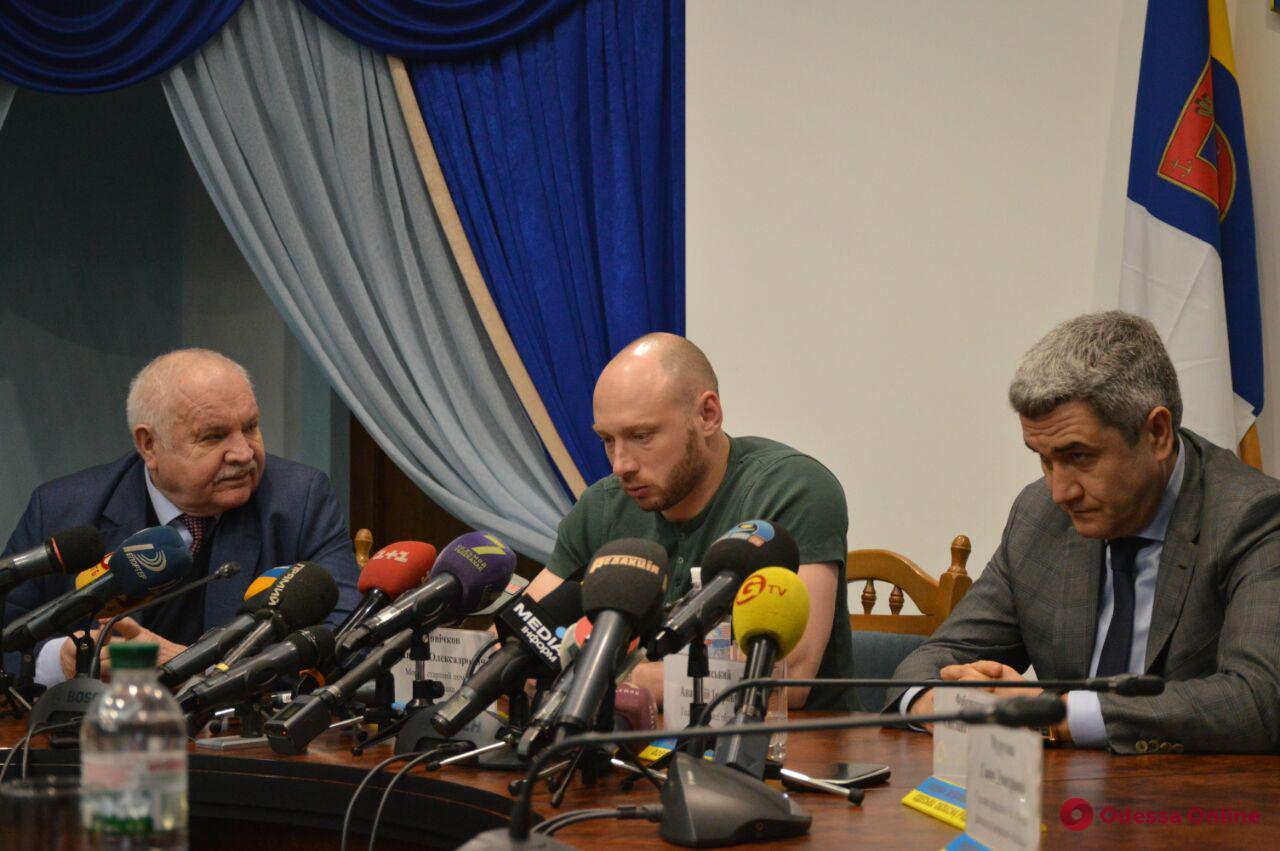 Одесса: спасенный от смертной казни в Иране моряк дал пресс-конференцию