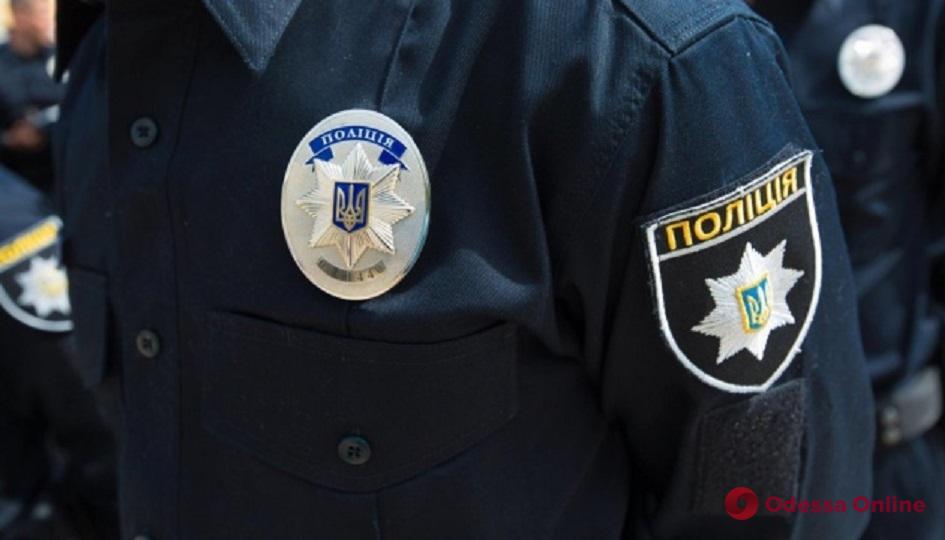 Обезоружили неадеквата: главный полицейский Одесской области наградил сотрудников аэропорта
