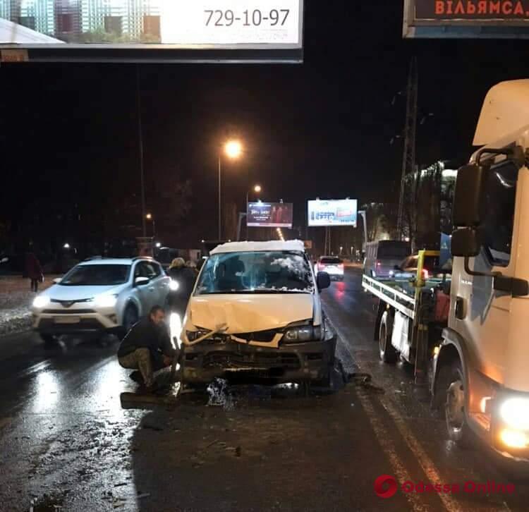 Одесский суд лишил водительских прав виновника тройного ДТП