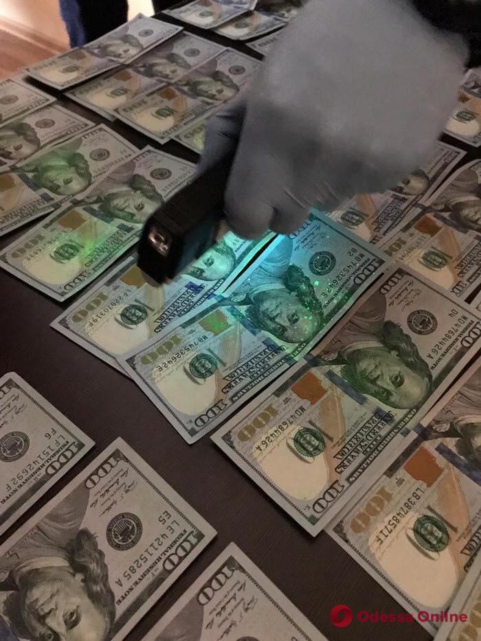 В Одессе подполковник полиции брал деньги за «крышевание» предпринимателей