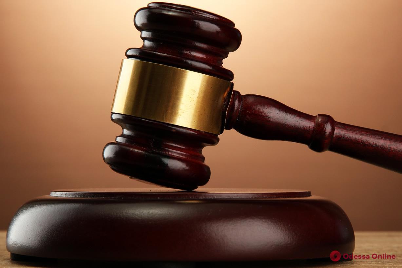 Ограбили и пытали семейную пару: в Одесской области суд арестовал одного из разбойников