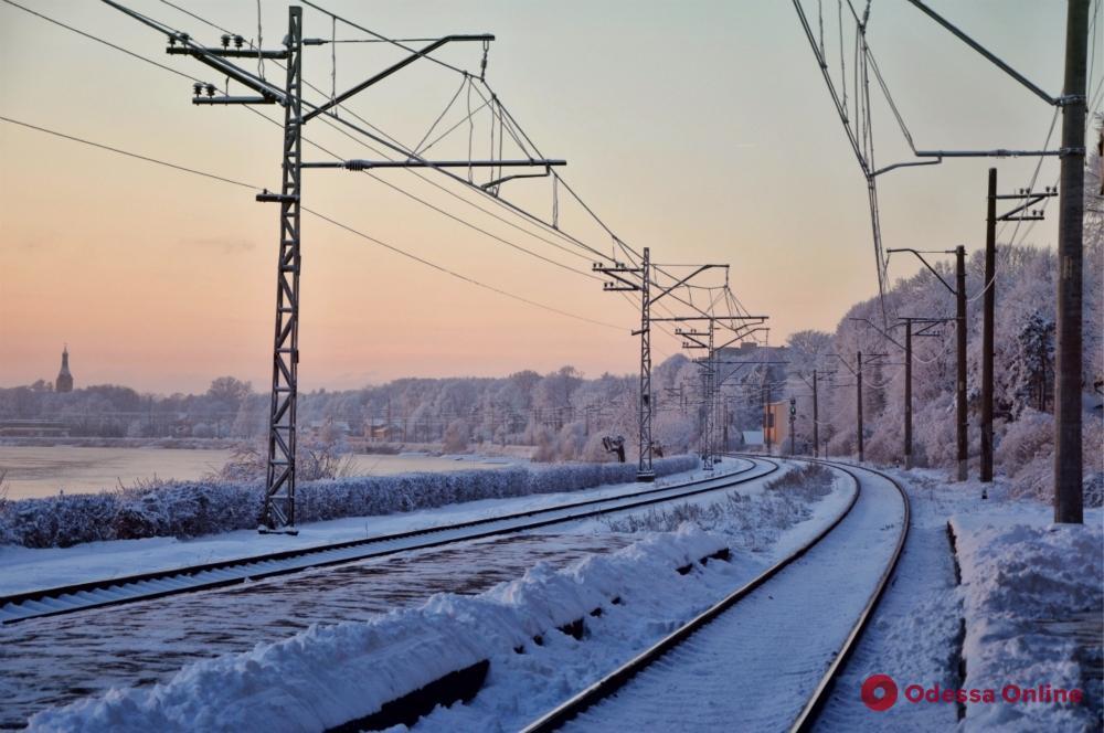 Одесская железная дорога: из-за обрыва контактного провода нарушился график движения поездов