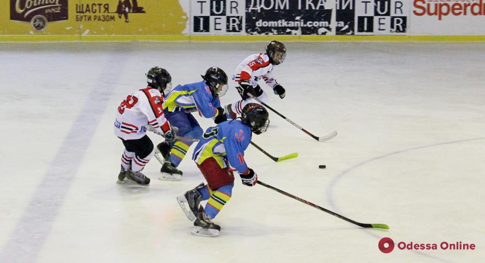 Одесские хоккеисты дважды обыграли ХК «Донбасс»