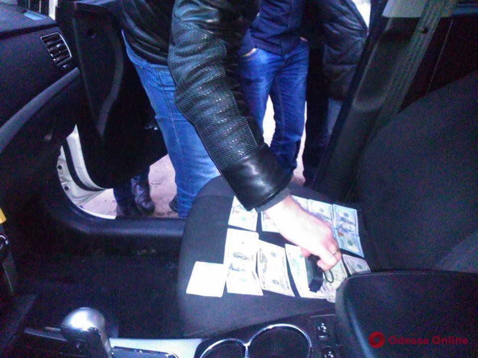 Преподаватель вуза попался на крупной взятке в Одессе