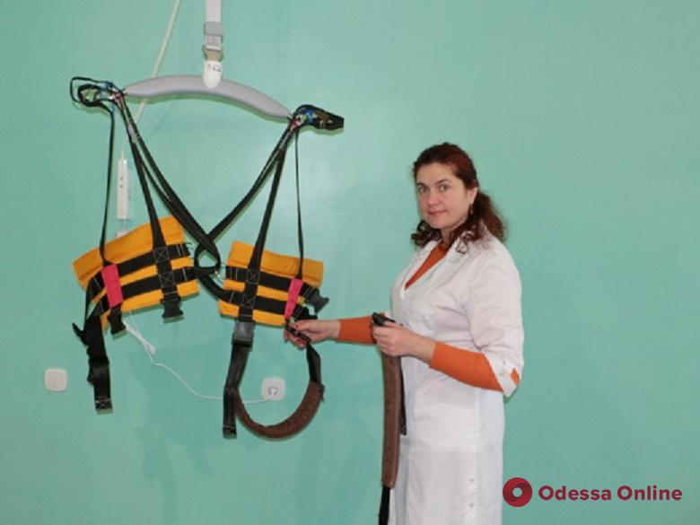 Одесская больница получила новую аппаратуру для реабилитации пациентов