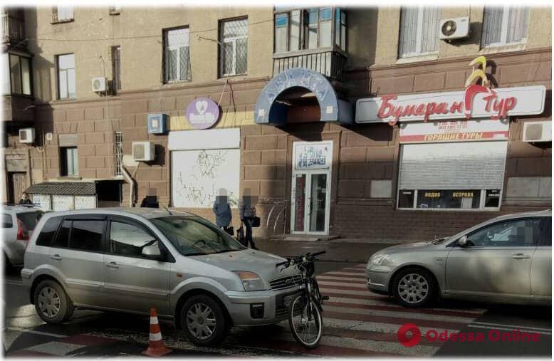 В Одессе Ford сбил мужчину