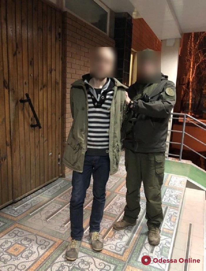 Отобрал лекарства и деньги: в Одесской области по горячим следам поймали грабителя