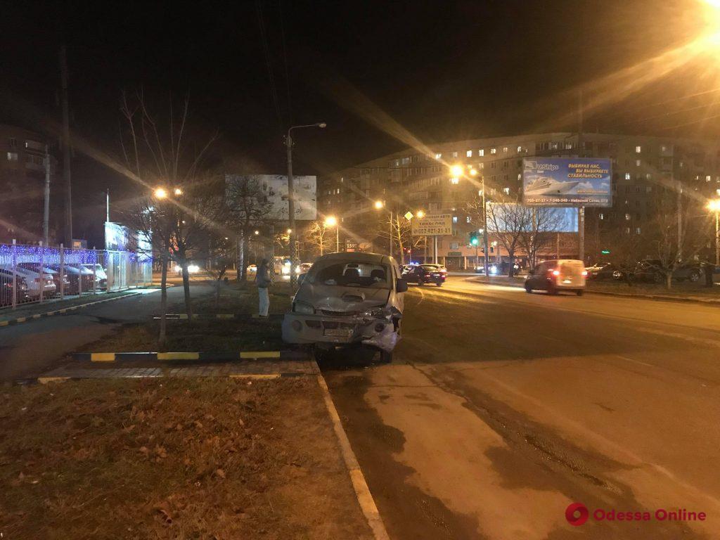На Таирова столкнулись BMW и Hyundai